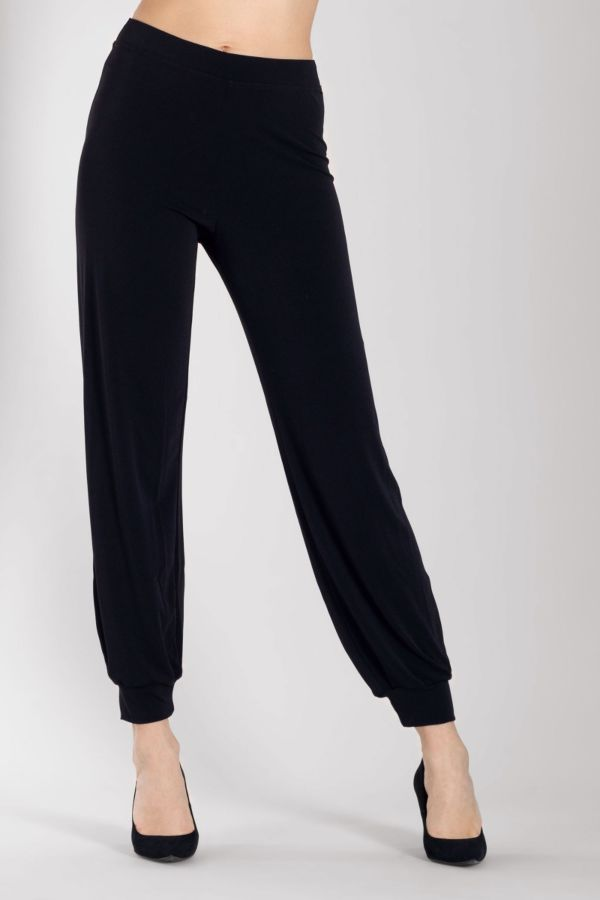 asia-leggings-silvia-grandi-front-shoes-black.jpg