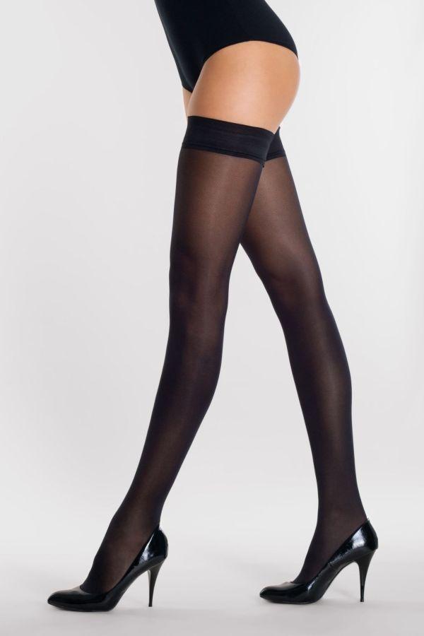 classic-50-autoreggente-hold-ups-silvia-grandi-legs.jpg